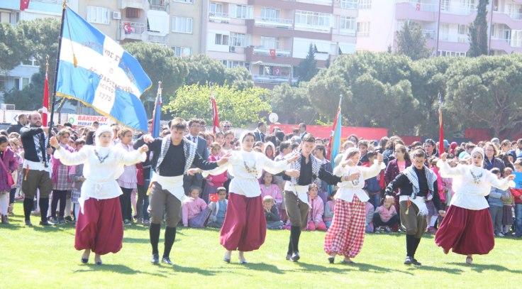 Το Χορευτικό του Λαογραφικού Συλλόγου στο Διεθνές Φεστιβάλ Χορού στην Πέργαμο της Τουρκίας